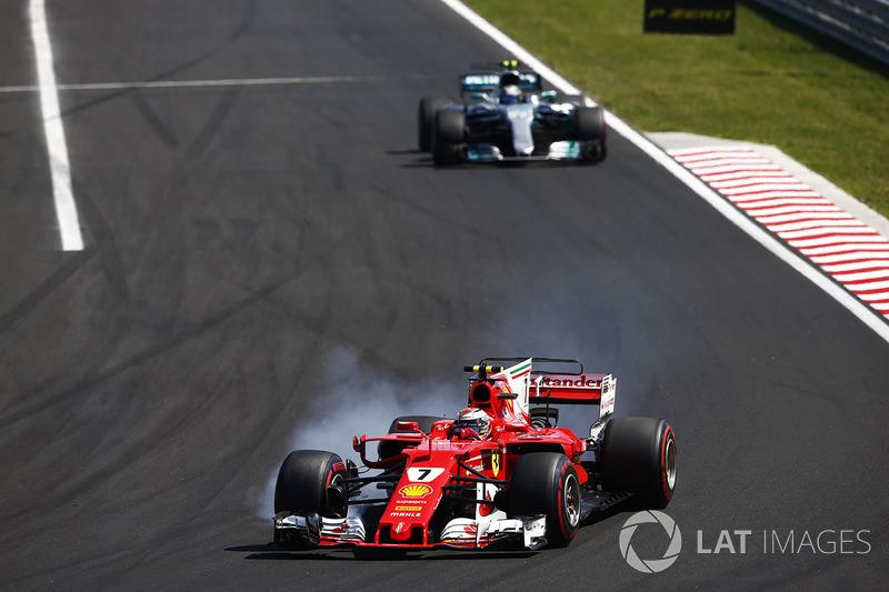 Кімі Райкконен, Ferrari SF70H, Валттері Боттас, Mercedes AMG F1 W08