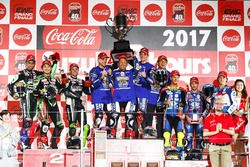 Podium: les vainqueurs Katsuyuki Nakasuga, Alex Lowes, Michael Van Der Mark, Yamaha Factory Racing Team