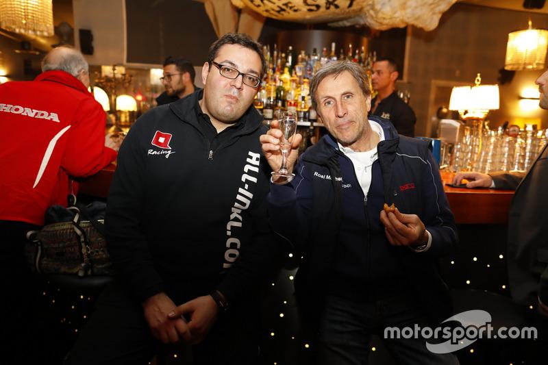 Dominik Greiner, Team manager All-Inkl Motorsport and Roberto Ravaglia, Roal Motorsport