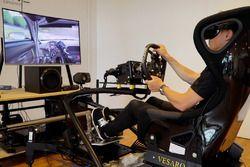 Renger van der Zande in de Immersive Simulator