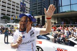 Fernando Alonso, Andretti Autosport Honda doet zich voor als Tony Kanaan