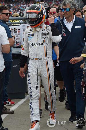 Fernando Alonso, Andretti Autosport Honda camina hacia los pits