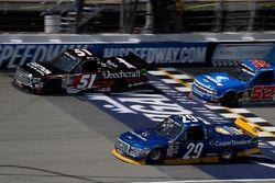 Kyle Busch, Kyle Busch Motorsports Toyota, Chase Briscoe, Brad Keselowski Racing Ford