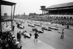 Polesetter Jim Clark, Lotus, John Surtees, Cooper, Jackie Stewart, BRM, and Ludovico Scarfiotti, Fer