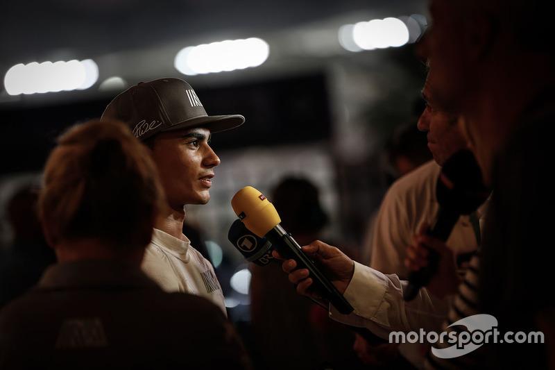 Pascal Wehrlein, Manor Racing con los medios