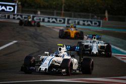 Валттери Боттас, Williams FW38, и Фелипе Масса, Williams FW38