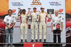 Podium: race winner Jordan Love, second place Akash Gowda, third place Presley Martono