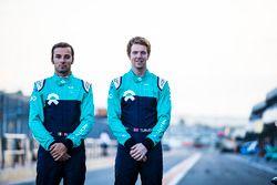 Luca Filippi, NIO Formula E Team y Oliver Turvey, NIO Formula E Team, revelación de la nueva decorac