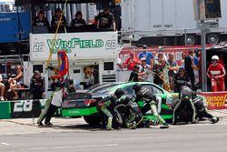 Dakoda Armstrong, JGL Racing Toyota pit stop