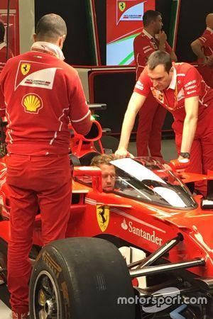 Sebastian Vettel, Ferrari SF70-H dotata di protezione Shield