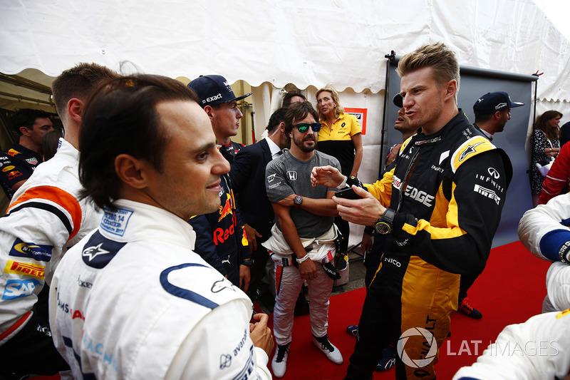Феліпе Масса (Williams), Стоффель вандорн (McLaren) і Ніко Хюлькенберг (Renault)