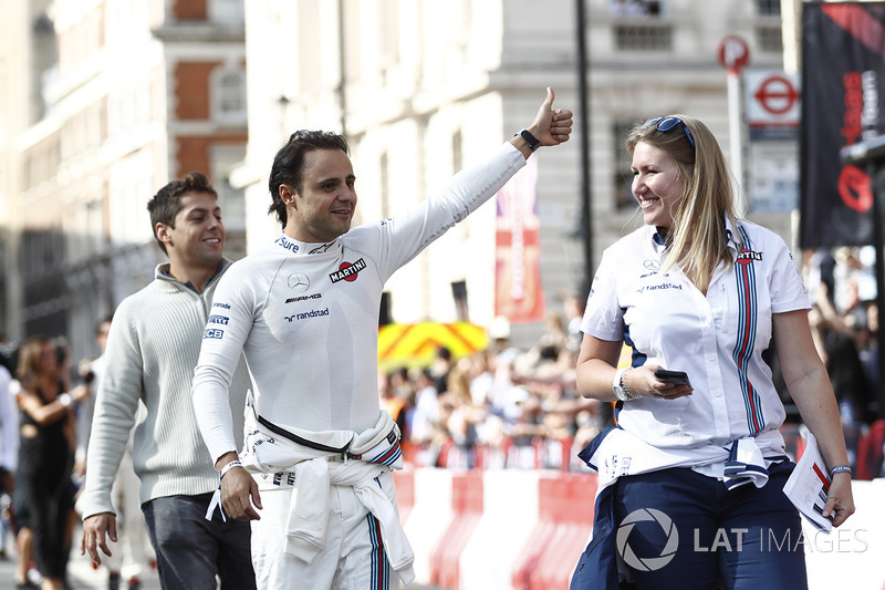Felipe Massa, Williams, menyapa fans