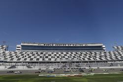 Start: #15 Multimatic Motorsports, Ford Shelby GT350R-C: Scott Maxwell, Jade Buford, führt