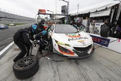 #93 Michael Shank Racing Acura NSX: Andy Lally, Katherine Legge, Mark Wilkins, Graham Rahal, acción