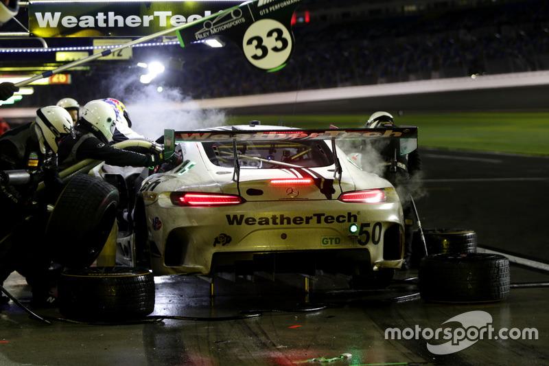 Pit stop, #50 Riley Motorsports Mercedes AMG GT3: Gunnar Jeannette, Cooper MacNeil, Shane van Gisbergen, Thomas Jäger
