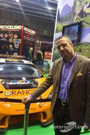 Il sindaco di Verona, Flavio Tosi, e la Lamborghini Huracan dell'Orange1 Team Lazarus al Motor Bike