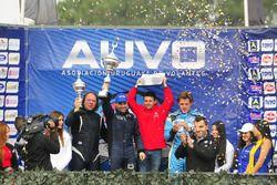 Podio: ganador de la carrera Fabricio Larratea, segundo lugar Daniel Ferra y tercer lugar Fernando E