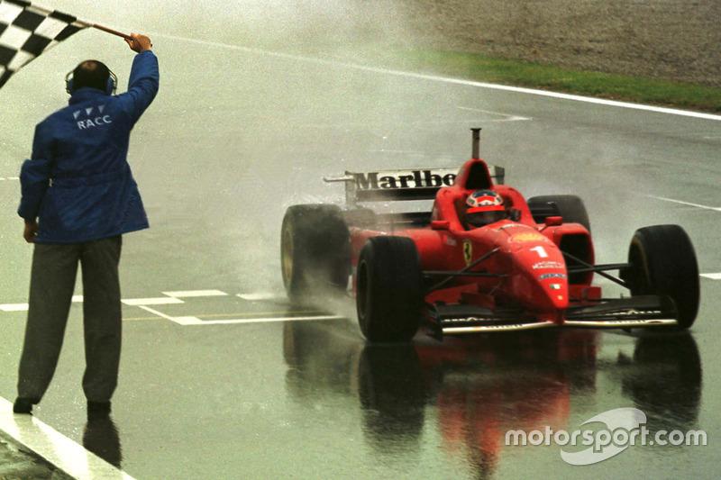 Drapeau à damier pour Michael Schumacher, Ferrari