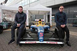 Dickie Stanford y Jonathan Williams con el Williams FW14B