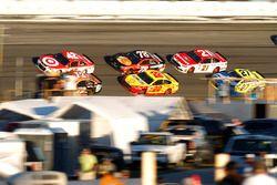 Kyle Larson, Chip Ganassi Racing Chevrolet, Cole Whitt, TriStar Motorsports Ford, Martin Truex Jr.,