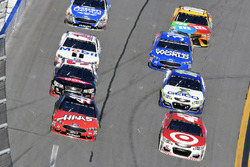 Kurt Busch, Stewart-Haas Racing Ford and Kyle Larson, Chip Ganassi Racing Chevrolet