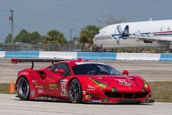 #62 Risi Competizione Ferrari 488 GTE: Toni Vilander, James Calado