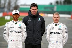 Lewis Hamilton, Mercedes AMG F1, Valtteri Bottas, Mercedes AMG F1, Toto Wolff, Mercedes AMG F1 Aande