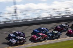 Brad Keselowski, Team Penske Ford and Darrell Wallace Jr., Roush Fenway Racing Ford