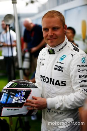 Valtteri Bottas, Mercedes AMG, with helmet