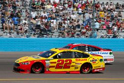 Joey Logano, Team Penske Ford Ryan Blaney, Wood Brothers Racing Ford