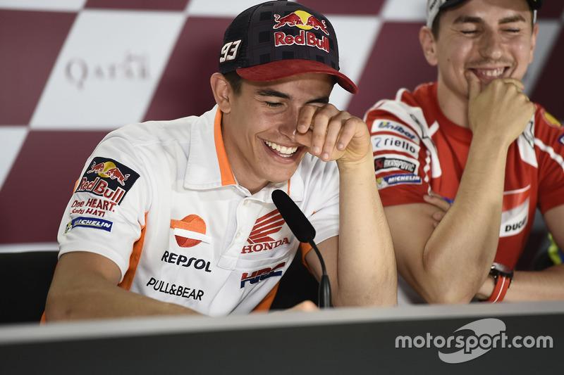 Tawa lepas Marc Marquez dan Jorge Lorenzo saat konferensi pers jelang balapan