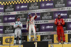 Podio: ganador de la carrera Tiago Monteiro, West Coast Racing, Honda Civic TCR; segundo lugar Jean-