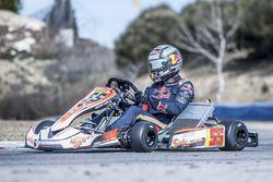 Carlos Sainz Jr., Scuderia Toro Rosso performs at the Karting Club Correcaminos in Recas