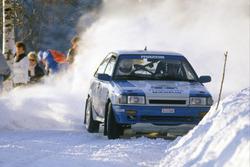 Timo Salonen, Seppo Harjanne, Mazda 323 4WD