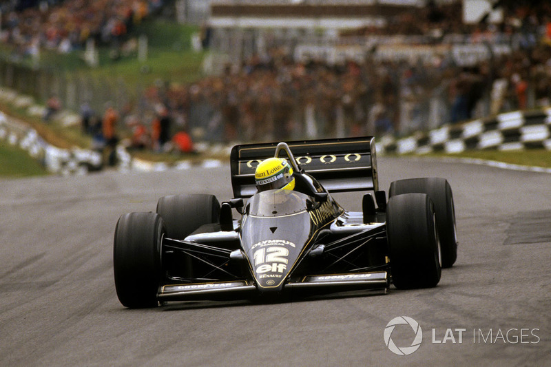 23º: Ayrton Senna, Lotus 97T, Brands Hatch 1985. Tiempo: 1:07.169