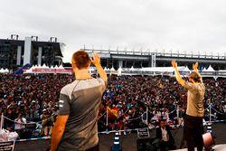 Stoffel Vandoorne, McLaren, Fernando Alonso, McLaren, on stage
