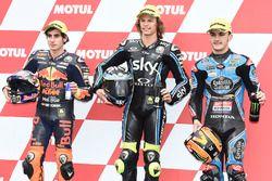 Le poleman Nicolo Bulega, Sky Racing Team VR46, le deuxième, Niccolo Antonelli, Red Bull KTM Ajo, le troisième, Aron Canet, Estrella Galicia 0,0