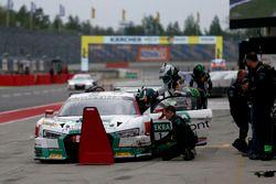 Boxenstopp, #1 Montaplast by Land-Motorsport, Audi R8 LMS: Connor De Phillippi, Christopher Mies