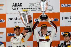 Podium: Sieger #99 Precote Herberth Motorsport, Porsche 911 GT3 R: Robert Renauer, Sven Müller
