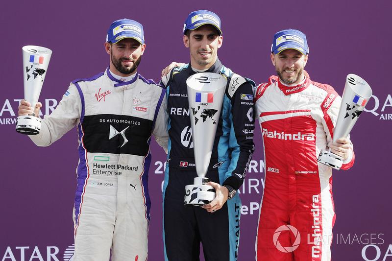 Podio: ganador de la carrera Sébastien Buemi, Renault e.Dams, segundo lugar José María López, DS Vir