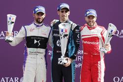 Podio: il vincitore della gara Sébastien Buemi, Renault e.Dams, il secondo classificato Jose Maria Lopez, DS Virgin Racing, il terzo classificato Nick Heidfeld, Mahindra Racing
