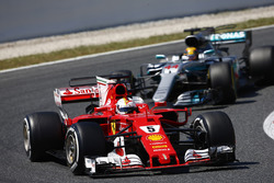 Себастьян Феттель, Ferrari SF70H, Льюис Хэмилтон, Mercedes AMG F1 W08
