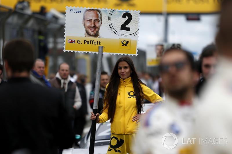 Gridgirl für Gary Paffett, Mercedes-AMG Team HWA, Mercedes-AMG C63 DTM