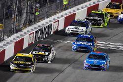 Тревор Бейн, Roush Fenway Racing Ford и Эрик Алмирола, Richard Petty Motorsports Ford
