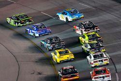 Brad Keselowski, Team Penske Ford und Elliott Sadler, JR Motorsports Chevrolet