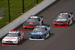 Джой Логано, Team Penske Ford и Бреннан Пул, Chip Ganassi Racing Chevrolet