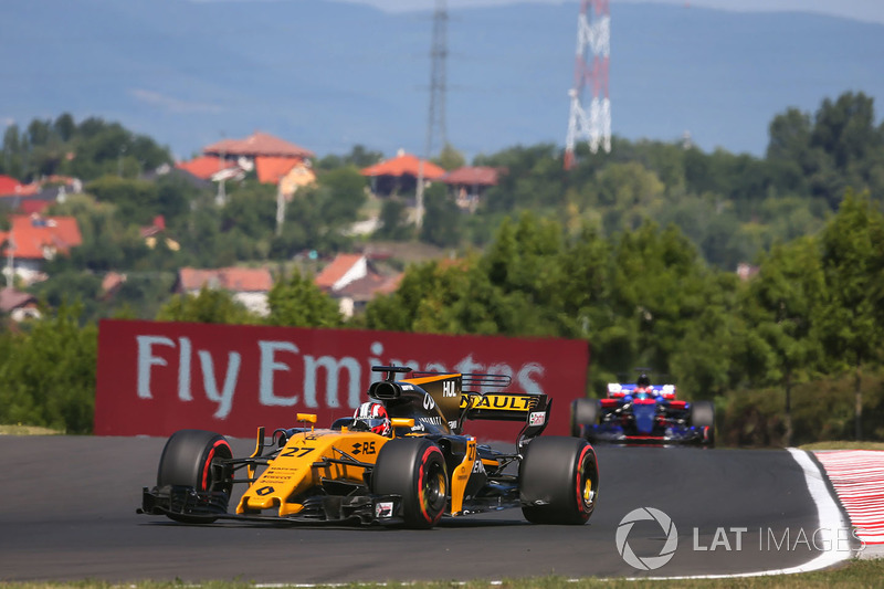 Ніко Хюлькенерг, Renault Sport F1 Team RS17
