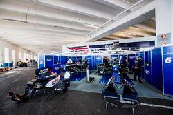 Mechanics prepare the cars of Luca Ghiotto, RUSSIAN TIME and Artem Markelov, RUSSIAN TIME