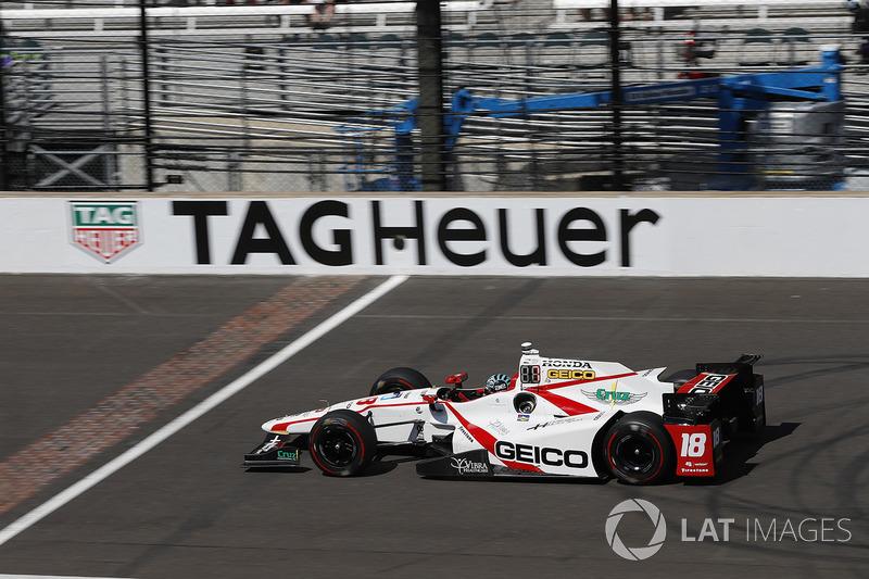 Crash: James Davison, Dale Coyne Racing, Honda