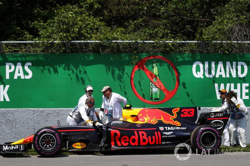 No Canadá, Verstappen vinha com o segundo lugar, mas abandonou logo no início, com problemas mecânicos.